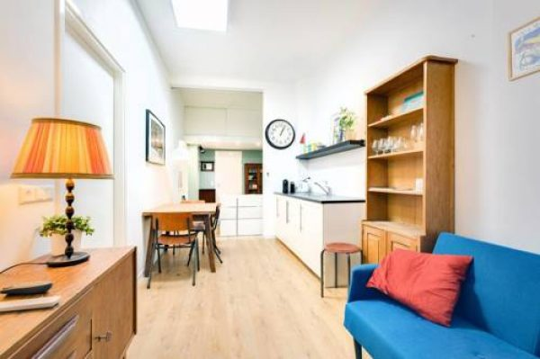 Hotel Fully fitted room - 15 min from central station in Amsterdam