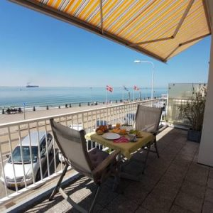 APARTMENT BY THE SEA bed by the sea in Vlissingen