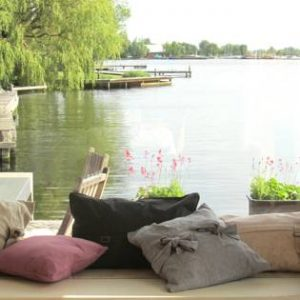 Britts Comfy lake side apartments in Vinkeveen
