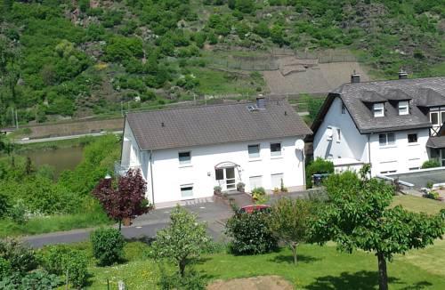 Haus Flora - Ferienwohnungen in Cochem