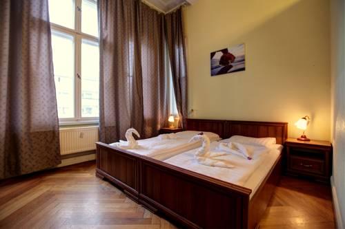 Hotel Pension Bernstein am Kurfürstendamm in Berlin