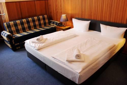 Hotel-Pension Rheingold am Kurfürstendamm in Berlin